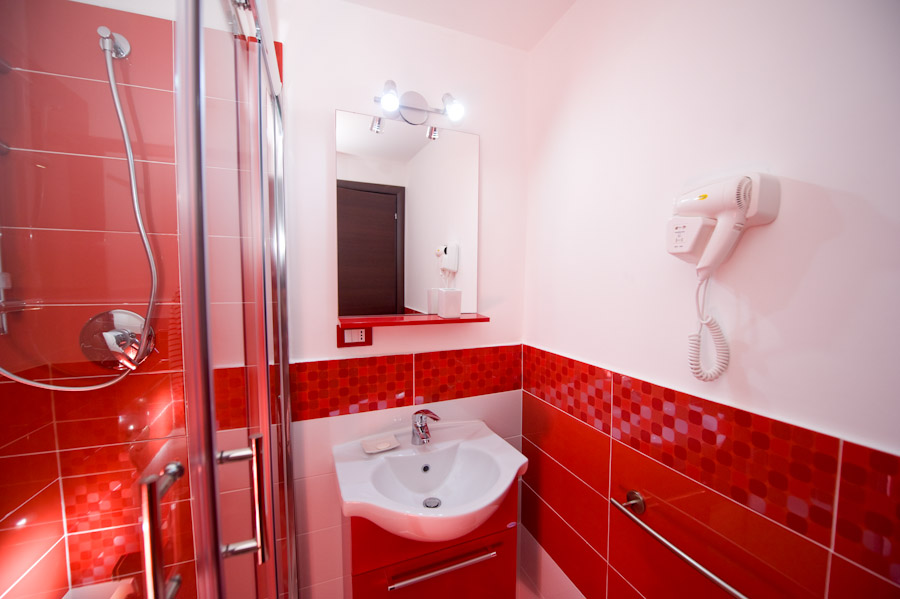 Bagno Moderno Rosso E Bianco Arredo Bagno Idee Per Progettare Bagni